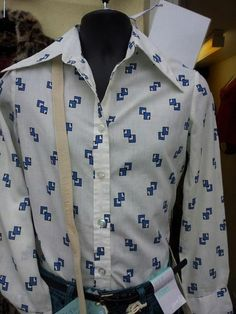 Great 70s mans shirt that still looks cool today.