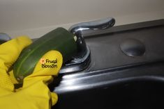 Get Rid Of Moles & Burrowing Animals With Dawn Dish Soap Cleaning Baseboards, Cleaning Wood, Household Cleaning Tips, Bathroom Cleaning, House Cleaning Tips, Diy Cleaning Products, Cleaning Hacks, Deep Cleaning, Cleaning Cabinets