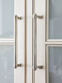 Kitchen:  Doors vertical - drawers horizontal