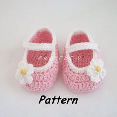 Instant Download to PDF Crochet PATTERN: Basic Mary Jane Baby Shoes with Posies by R0SEDEW on Etsy https://www.etsy.com/listing/104554053/instant-download-to-pdf-crochet-pattern