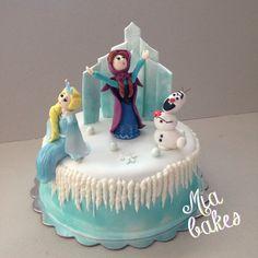 Frozen cake by mia_bakes