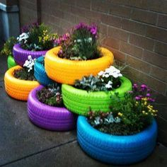 Nature Friendly Ideas for DIY Recycled Planters to Beautify Your Front Lawn Another Colorful DIY planter idea with old tires.Another Colorful DIY planter idea with old tires. Flower Planters, Garden Planters, Flower Pots, Diy Flower, Flower Ideas, Flowers Garden, Container Garden, Summer Flowers, Garden Crafts