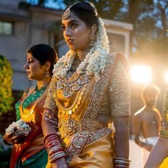 New Ideas bridal saree blouse designs indian wear South Indian Wedding Saree, Bridal Hairstyle Indian Wedding, Bridal Hairdo, Indian Bridal Hairstyles, Indian Bridal Makeup, Indian Bridal Outfits, Indian Bridal Wear, South Indian Bride, Indian Wear