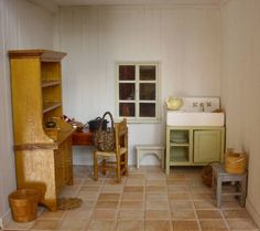 Miniatures and dolls houses: my old house