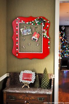 diy holiday card display | Chicken wire, Card displays and Display ...