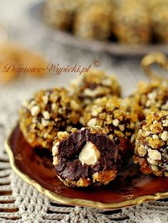 Trufle karmelowo- orzechowe Praline Chocolate, Death By Chocolate, Chocolate Dipped, Carmel Desserts, Christmas Sweets, Christmas Recipes, Xmas, Cakes And More, Truffles