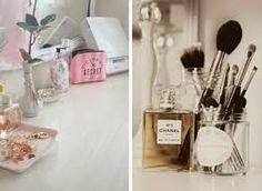 creative makeup storage ideas and tips in your dressing table Bedroom 2018, Bedroom Sets, Tidy Up, Makeup Storage, Creative Makeup, Dressing Table, Diffuser, Helpful Hints, Make Up