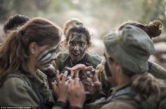 Интересуйся. Израильские женщины-бойцы в патруле на границе | MOST