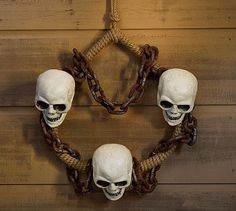 Outdoor Skull Chain Wreath #potterybarn