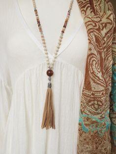 Charm- & Bettelketten - Bettelkette Mala Jaspis Leder Quaste creme braun - ein Designerstück von weibsbild bei DaWanda