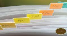 """Sempre que escrevo, torço muito para que as dicas de organização possam surtir efeito na casa das pessoas. Para empolgar ainda mais (e você organizar a casa de uma vez por todas), a partir de hoje, você encontrará no blog, o """"Dicas lá de casa"""", onde postarei fotos de tudo que organizei na minha casa, […]"""