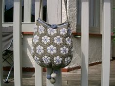 Crochet African Flower - Ravelry: VickeVira African Flowers Bag pattern by Mia Dehmer