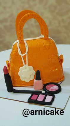 @arnicake  ۰۹۹۱۹۹۵۴۱۶۶ #arnicake #کیک #فوندانت #زیبا #کندی #اینترنتی #فروش #سفارش #طرح_درخواستی #کوکی #کاپ_کیک #پاپس_کیک #تولد #نامزدی #ضد_جاذبه #کیک_وارونه #fondantcake #cake #cake_fondant #candy #candy_ba #elsa #frozen Cake Toronto, Lady Dior