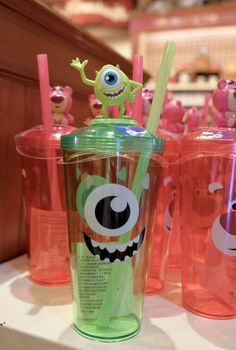 Disney Water Bottle, Mike From Monsters Inc, Cute Disney Pictures, Disney Cups, Cute Water Bottles, Disney Monsters, Pretty Mugs, Kawaii Accessories, Bear Wallpaper