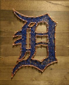 String art - Detroit Tigers Detroit Tigers Baseball, Braves Baseball, Wood Pallet Art, Wood Art, Diy Projects To Try, Art Projects, Project Ideas, Teen Boy Rooms, Fun Crafts
