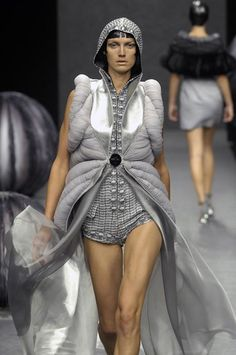 Soft Sculptural Fashion with symmetrical structure, voluminous 3D padded construction & gathered fabric textures // Lie Sang Bong