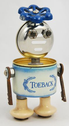 Vintage tins are recycled and made into robot looking mixed media art along with other found items. 'Rebots' bring back and preserve memories for many years Altered Tins, Salvage Parts, Bolts And Washers, Tin Can Crafts, Craft Stash, Metal Art Sculpture, Found Object Art, Scrap Metal Art, Sculptures