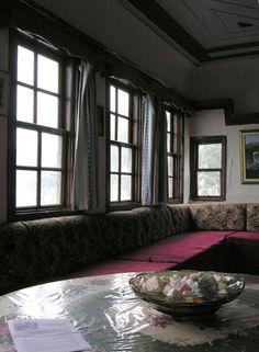 Το αρχονταρίκι της Μονής Γρηγορίου - The arhontariki (guest room) of Gregoriou Monastery