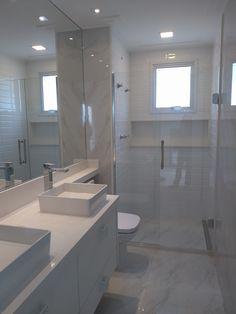 Beautiful bathroom all white with two tubs. *Inspiration* (I. Diy Bathroom, Bathroom Remodel Shower, Bathroom Interior Design, Trendy Bathroom, Bathroom Renovations, Best Bathroom Colors, Bathroom Design Luxury, Beautiful Bathrooms, Small Bathroom Makeover