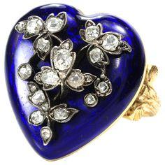 Victorian Diamond Heart Locket Ring by jannyshere Fall Jewelry, Summer Jewelry, Heart Jewelry, Stone Jewelry, Jewelry Art, Trendy Jewelry, Fashion Jewelry, Antique Rings, Antique Jewelry