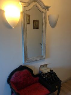 PfUeTzEnHuEpFeR`s Welt Hogwarts, Mirror, Furniture, Home Decor, World, Decoration Home, Room Decor, Mirrors, Home Furnishings