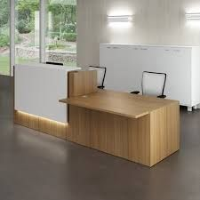 Offers modern, contemporary and custom reception desks, receptionist desks and reception furniture for contemporary offices as well as Contemporary and Modern Office Furniture. Modern Reception Desk, Reception Furniture, Reception Desk Design, Reception Counter, Office Reception, Bureau Design, Office Interior Design, Office Interiors, Interior Designing