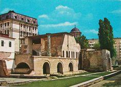 Curtea Veche Domneasca Romania People, Romania Travel, Notre Dame, Mansions, House Styles, Building, Bucharest, Buildings, Fancy Houses