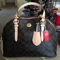 Coach Factory Outlet - Coach Factory Life Coach Handbags New 2015 On Sale, Coach Coupons In Coach Outlet Store Online Coach Outlet Store, Coach Bags Outlet, Cheap Coach Bags, Fashion Handbags, Purses And Handbags, Fashion Bags, Runway Fashion, Fashion Trends, Fashion 2016