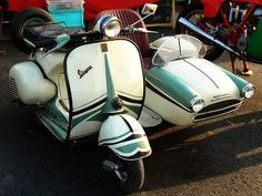 Vespa Sidecar. @Ashley Lobsiger  Hahaha this is the best!!