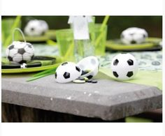Boite à dragées ballon de football idéal pour une décoration sur le thème du foot. Contenant à dragées foot chic et pas cher. Anniversaire football pas cher. Decoration, Communion, Chic, Weddings, Decor, Shabby Chic, Elegant, Decorations, Decorating