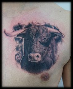 Animal tattoos are well-known for their aesthetic appearance and symbolic meaning. People love to wear their favorite animal tattoo on their body parts. One such tattoo that is popular, meaningful … Head Tattoos, Wolf Tattoos, Animal Tattoos, Body Art Tattoos, Tatoos, Bison Tattoo, Taurus Bull Tattoos, 2016 Tattoo, Scary Faces