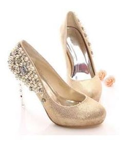 The pearl wedding shoes and the bride a perfect match - Wedding Shoes ...