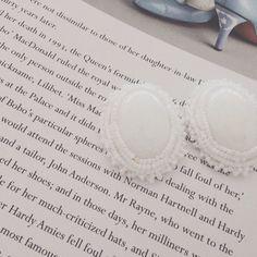 White jade earrings | chouchou