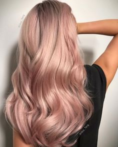 Soft Tones by Guy Tang Hair Artist. Formula:Lifted to a level 10 using Guy Tang Mydentity Big9 with foils + Olaplex No.1Guy Tang Mydentity 10DL demi on rootagé with 6vol.Guy Tang Mydentity 10DL demi and Crystal Clear demi with 6vol.Guy Tang Mydentity 9Rg demi with Crystal Clear demi with 6vol.After rinsing, apply Olaplex No.2 with 1/2oz of Mydentity Pink Diamond to treat hair for 10 minutes then shampoo and style.