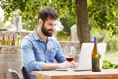 Comprare vino online: ecco i 5 migliori siti web Comprare il vino online direttamente da casa è una gran comodità! Ci fa risparmiare tanto tempo e parecchie energie e, soprattutto, ci consente di scegliere tra un vasto assortimento... #biancovino