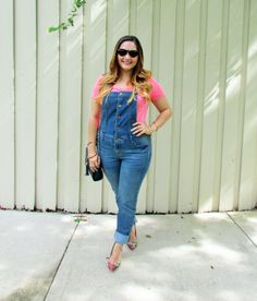 Lovin' My Overalls up on the blog at alicemarieh.com #overalls #denim #summerfashion #pink #prints