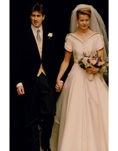 Lady Helen Windsor and Tim Taylor at their July 1992 wedding. Lady Helen's dress was designed by Catherine Walker.