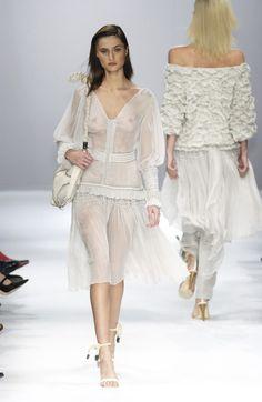 Givenchy at Paris Fashion Week Spring 2002 - Runway Photos Fashion Beauty, Girl Fashion, Fashion Show, Paris Fashion, Long Dress Fashion, Fashion Dresses, Towel Dress, Beautiful Blonde Girl, Long Bridesmaid Dresses