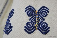 New embroidery, recreation of original blouses in museums around the world. Creative Embroidery, Museums, Textiles, Blanket, Crochet, Handmade, Dots, Hand Made, Chrochet