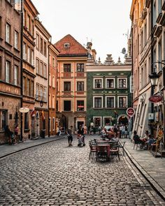 Warsaw Old Town, Warsaw Poland, City Aesthetic, Travel Aesthetic, Poland Cities, Places To Travel, Places To Visit, Poland Travel, Europe Destinations