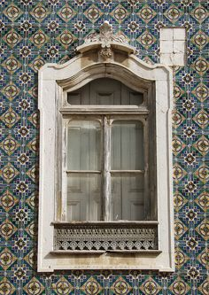 windows by quenalbertini - Window in Portugal, PA115089 by vesco27-via Flickr...
