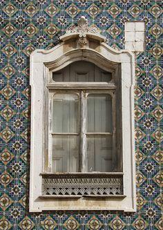 windows by quenalbertini - Window in Portugal, PA115089 by vesco27-via Flickr...