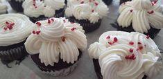 Csokoládés meggyes muffin Muffin, Rum, Desserts, Food, Tailgate Desserts, Deserts, Muffins, Meals, Rome