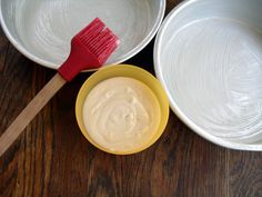 Miracle Pan Release:  1/2 cup vegetable shortening, 1/2 cup vegetable oil, 1/2 cup all-purpose flour.  Whisk thoroughly until everything is incorporated and smooth. Store in airtight container at room temperature.