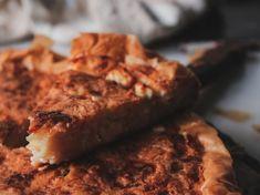 Τυρόπιτα με γιαούρτι, φέτα και κεφαλογραβιέρα – πατσαβουρόπιτα Feta, Banana Bread, French Toast, Cooking, Breakfast, Desserts, Baking Center, Postres, Kochen
