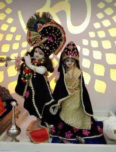 Radha Krishna Pictures, Radha Krishna Photo, Krishna Photos, Shree Krishna, Krishna Art, Radhe Krishna Wallpapers, Lord Krishna Wallpapers, Photos Of Lord Shiva, Laddu Gopal