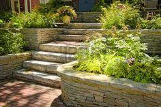 Resultado de imagen para jardineras de piedra