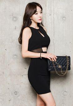 Korean Beauty, Asian Beauty, Asian Fashion, Fashion Edgy, Korean Model, Healthy Summer, Classy And Fabulous, Girl Photos, Chic