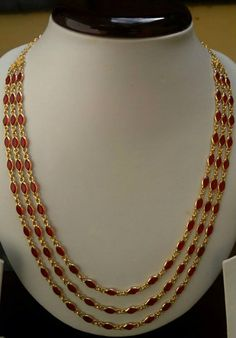 Simply luxurious, wht else? Ruby Jewelry, Stone Jewelry, Pendant Jewelry, Bridal Jewelry, Beaded Jewelry, Jewelery, Gold Jewelry Simple, Gold Jewellery Design, Antique Jewelry