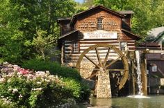 4 Unbeatable Benefits of Staying in Pigeon Forge Condos Near Dollywood